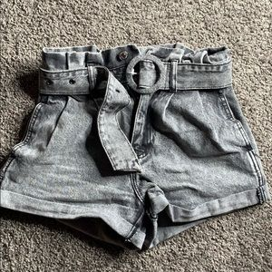 black jean shorts with built in belt